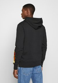 Bricktown - DRAGON SIGN SMALL - Hoodie - black - 2