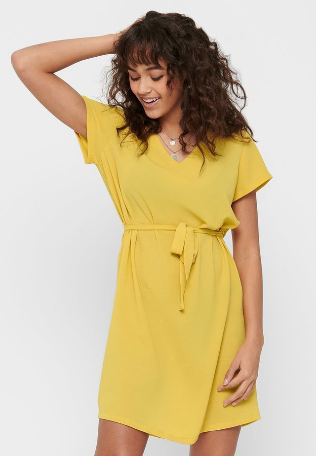 Vestido informal - misted yellow