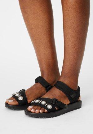 VMAGNES - Sandals - black