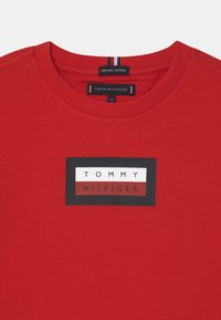 Tommy Hilfiger - GRAPHIC - Print T-shirt - deep crimson - 2