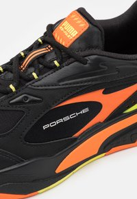 Puma - RS-FAST UNISEX - Trainers - black/celandine/carrot - 5