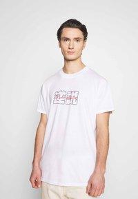 Night Addict - NAFEAR - Print T-shirt - white - 2