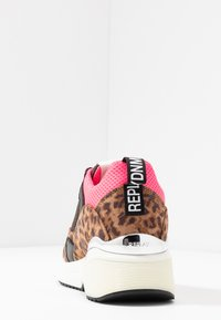 Replay - PLUS - Trainers - brown/pink - 5