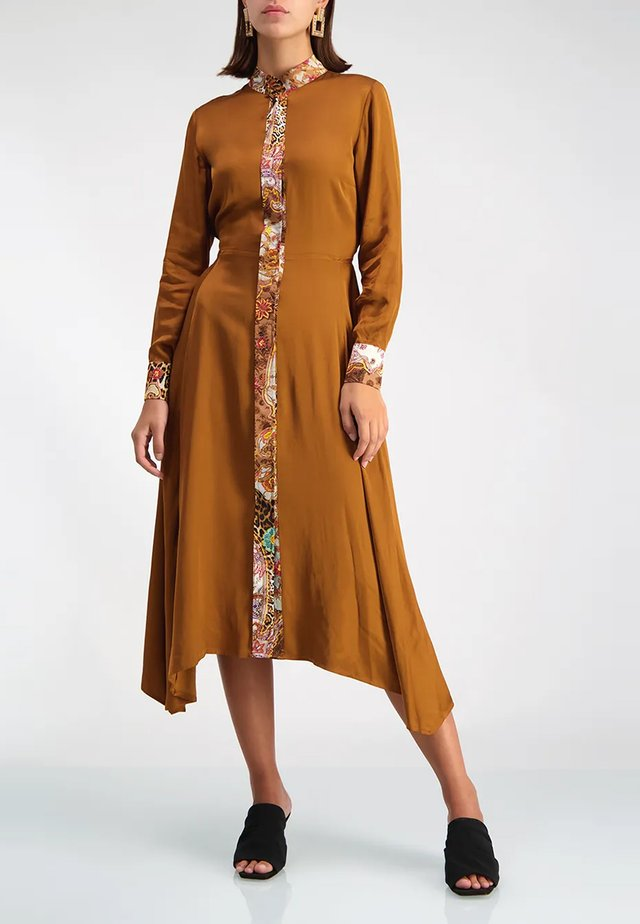 CAMELIA - Shirt dress - bronze