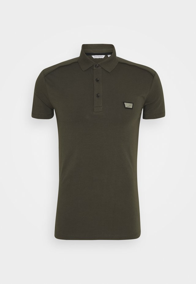 PLATE ON FRONT - Polo - green
