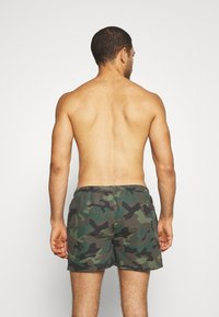 Ellesse - RUAZ - Swimming shorts - green - 1