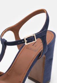 L'Autre Chose - High heeled sandals - abyss - 6