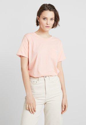 PAOLA - Jednoduché triko - peach bud