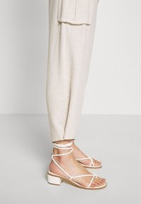 Cream - LORINE PANTS - Trousers - ote melange - 4