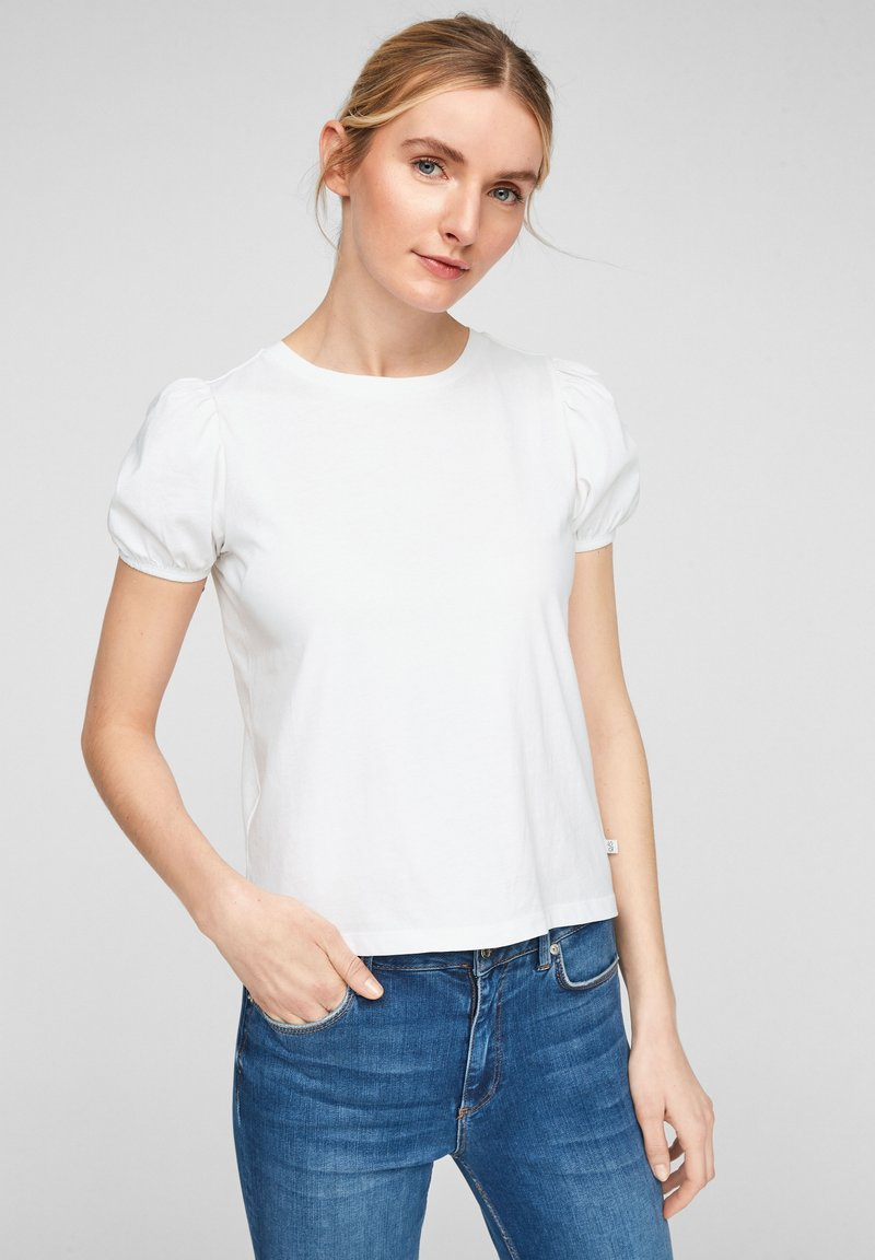 QS by s.Oliver - MIT PUFFÄRMELN - Print T-shirt - white