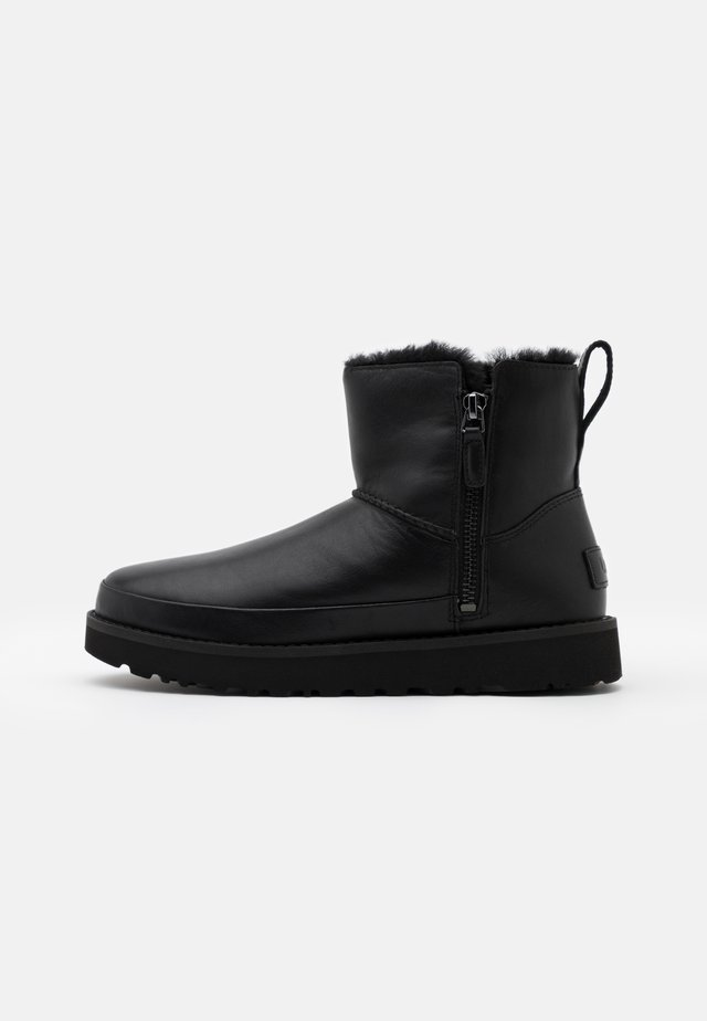 CLASSIC ZIP MINI - Snowboot/Winterstiefel - black