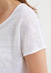 WE Fashion - Basic T-shirt - white - 3