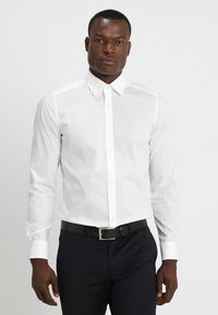 OLYMP Level Five - OLYMP LEVEL 5 BODY FIT - Formal shirt - offwhite - 0