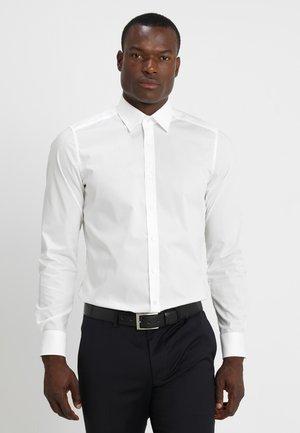 OLYMP LEVEL 5 BODY FIT - Kostymskjorta - offwhite
