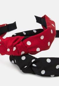 ONLY - ONLDOBBY HAIRBAND 2 PACK - Akcesoria do stylizacji włosów - black/red - 2