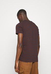 Scotch & Soda - EASY CREWNECK TEE - Print T-shirt - combo - 2
