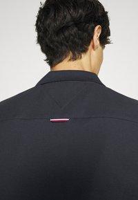 Tommy Hilfiger - CONTRAST PLACKET SLIM  - Polo shirt - desert sky - 5