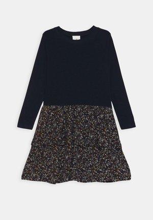 TITUANNA MELROSE DRESS - Žerzejové šaty - navy blazer