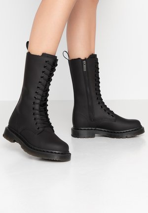 KOLBERT TALL - Šněrovací vysoké boty - black