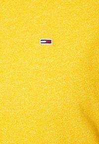 Tommy Jeans - JASPE NECK - Basic T-shirt - pollen - 2