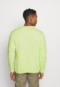 Nike Sportswear - Sweatshirt - liquid lime - 2