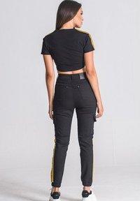 Gianni Kavanagh - NOBLE SIGNATURE CROPPED - T-shirt print - black - 2