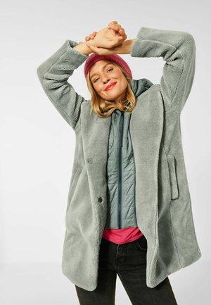 TEDDDY MANTEL - Winter coat - grün