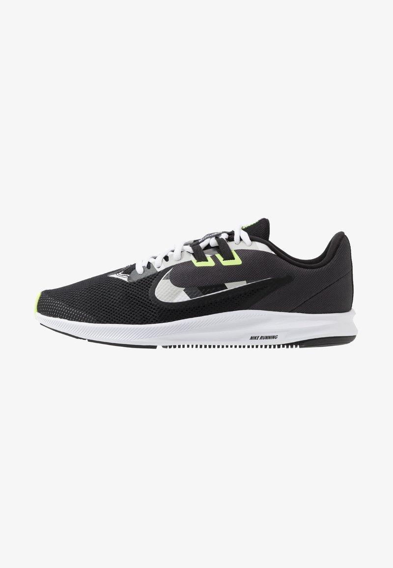 Nike Performance - DOWNSHIFTER  - Zapatillas de running estables - black/white/particle grey/dark smoke grey/ghost green/sapphire