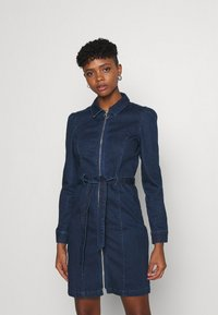 ONLY - ONLFLEUR LIFE PUFF DRESS - Denimové šaty - dark blue denim - 0