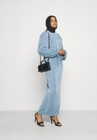 Missguided - MODESTY ACETATE VOLUME SLEEVE  - Long sleeved top - blue - 1