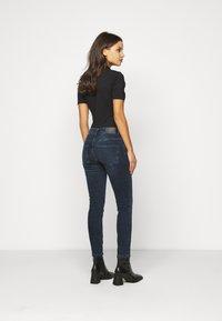 Vero Moda Petite - VMELLA - Skinny džíny - dark blue denim/black - 2