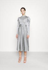 Topshop - PREMIUM MARL PLEATED - Vestido de cóctel - grey - 0