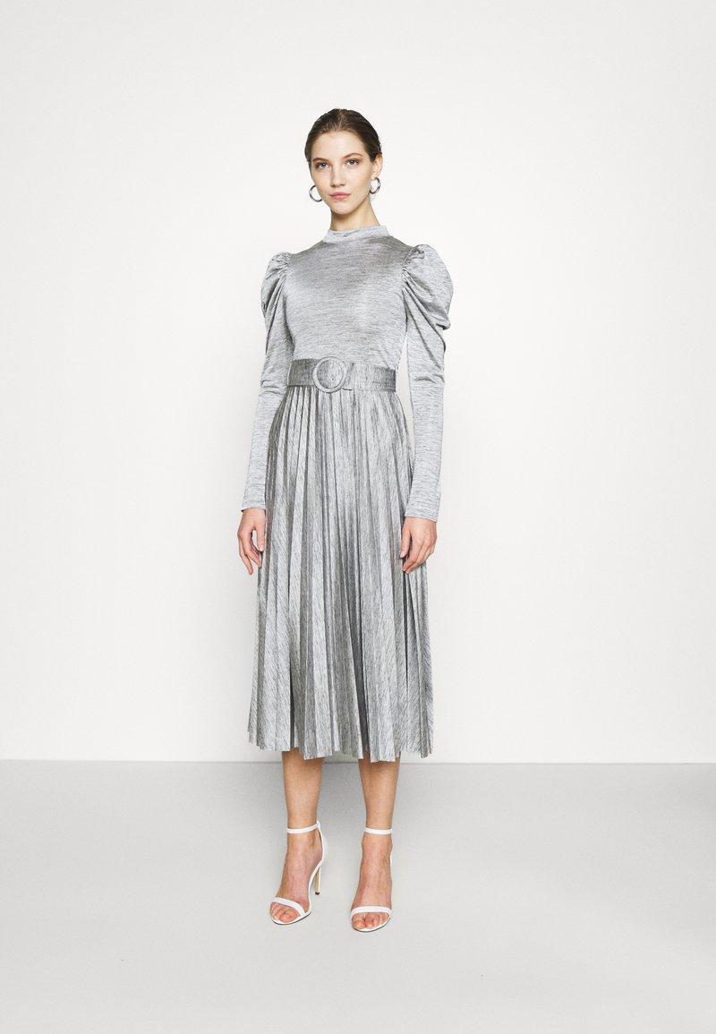 Topshop - PREMIUM MARL PLEATED - Vestido de cóctel - grey