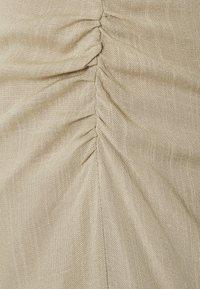 Nly by Nelly - BE MINE RUCHED DRESS - Koktejlové šaty/ šaty na párty - beige - 2