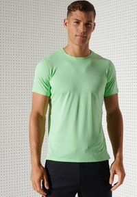 Superdry - ACTIVE - Sports shirt - neo mint - 1