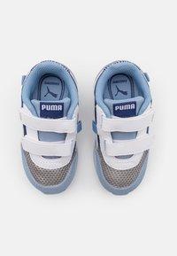 Puma - FUTURE RIDER FIREWORKS V - Tenisky - elektro blue/white - 3