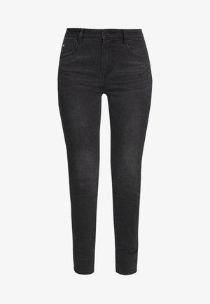 BETTIE CROPPED - Skinny džíny - black