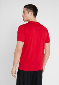 K1X - HARDWOOD  - Print T-shirt - major red