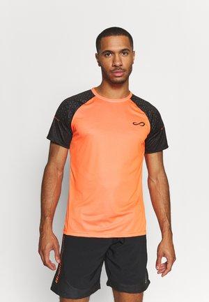 CAMISETA FEISTY HELIX - T-shirt print - orange