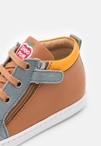 Shoo Pom - BOUBA BI ZIP - Baby shoes - light camel/jeans/jaune - 5