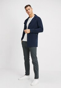 Selected Homme - SLHTIMES - Trench - dark sapphire - 1