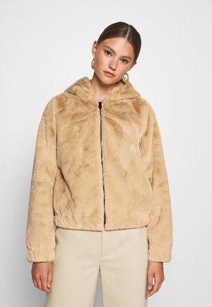ONLMALOU HOOD JACKET - Winter jacket - pure