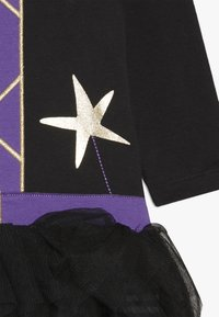 mothercare - BABY WITCH - Sleep suit - black - 4