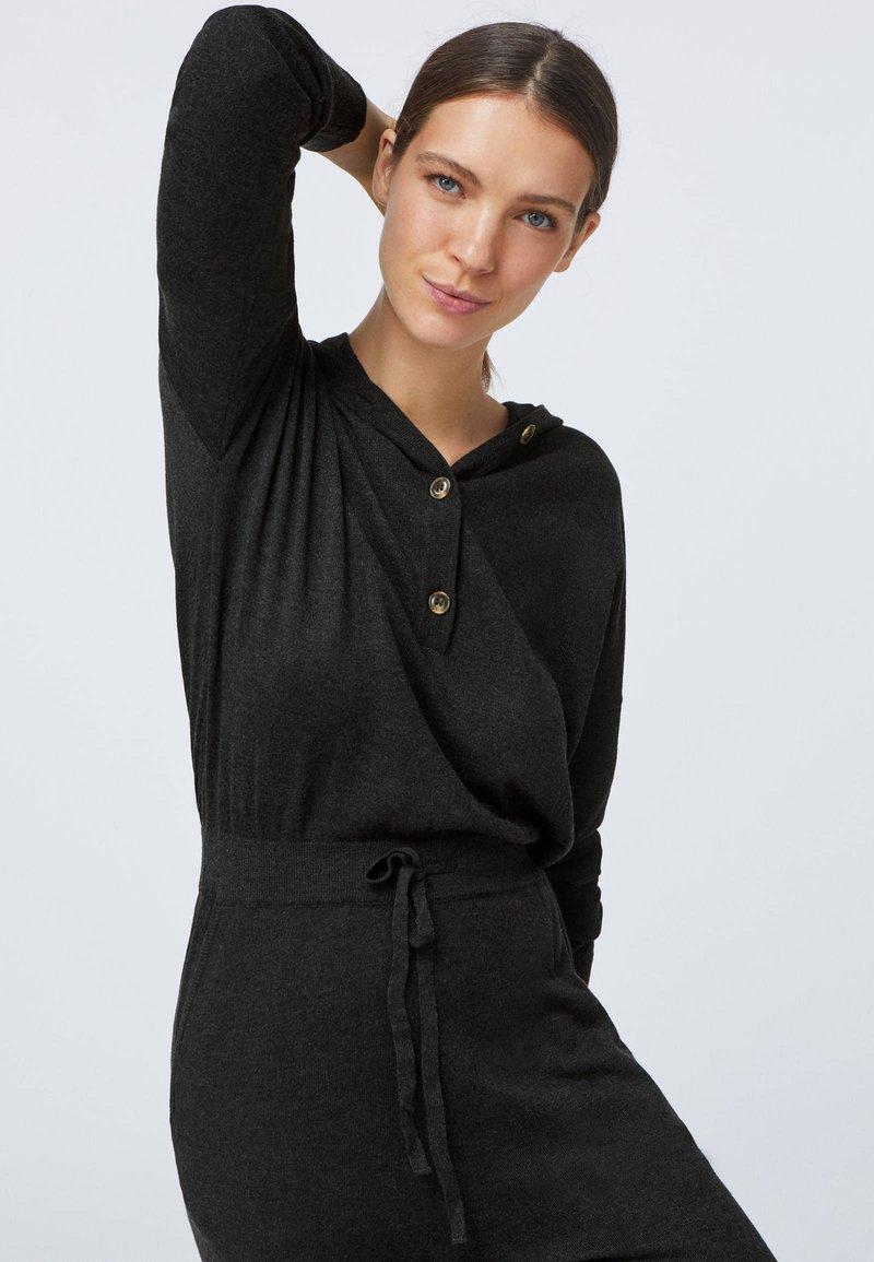 OYSHO Jumpsuit - black/schwarz 3CvBWP