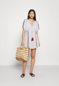 Pour Moi - CRINKLE COVER UP - Beach accessory - white/red - 1