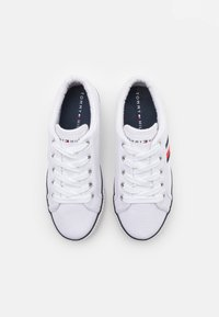 Tommy Hilfiger - Sneakers laag - white/blue - 3