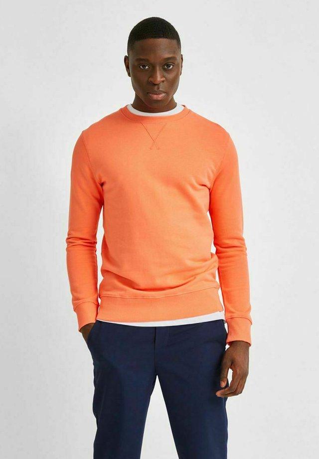 SLHJASON CREW NECK - Sweatshirt - coral
