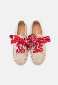 Madden Girl - MIMI - Sznurowane obuwie sportowe - natural - 5