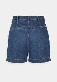 Wrangler - MOM - Shorts di jeans - lake side - 1