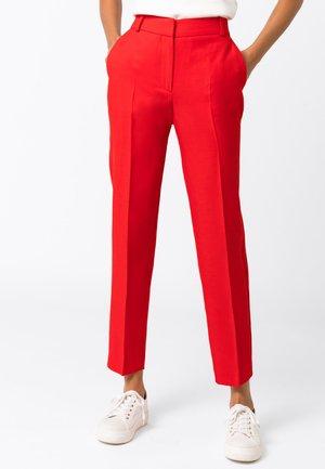MIT LEINEN & TENCEL - Trousers - rot